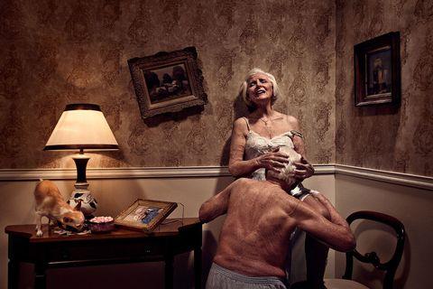 Starí ľudia majú sex.